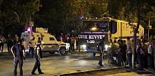 Van'da alçak saldırı: 3 şehit 73 Yaralı